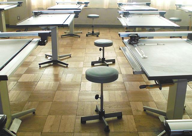 三重県立津工業高等学校 機械科 製図室